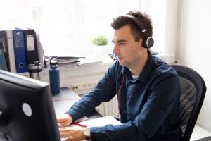 AWORK rådgiver dig til de bedste online løsninger.
